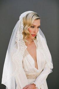 Sıcak En Çok Satan Şık Bir Katman Kalça Uzunluk Dantel Aplike Kenar Özel Beyaz Fildişi Alaşım Tarak Düğün Veil Meidingqianna Marka