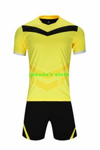 Shop-Personality Männer Retro Performance-Design Ihre eigenen Fußballhemden Shorts Uniformen Online-Entwurf Custom Football Jerseys Online