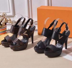 Mit Box! Frau Hausschuhe Fersen Sandelholz-Strand-Slide beste Qualität Hausschuhe Mode Scuffs Hausschuhe echtes Leder freies DHL durch shoe02 A19