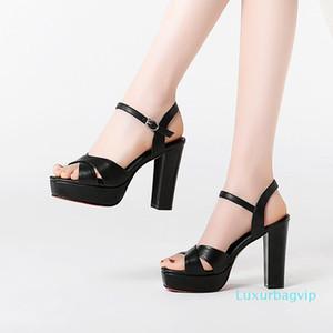 Pop2019 Couro de salto alto sandálias Mulher Waterproof Plataforma alta grosseiro com uma palavra Buckle Trazer Calçados Femininos cor sólida