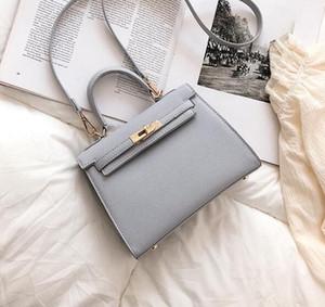 toptan marka bayan çanta zarif bir atmosfer el izi çanta Joker düz renk Kadınlar çanta dekoratif moda Messenger bag tokası