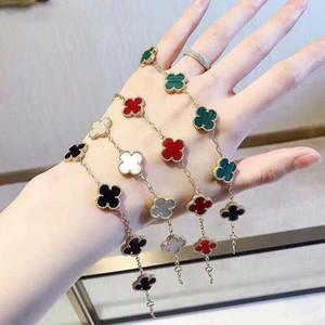 La manera simple coreana y la forma elegante de la flor circón color oro pulsera de las señoras temperamento creativo salvaje Recuerdos joyas de las damas
