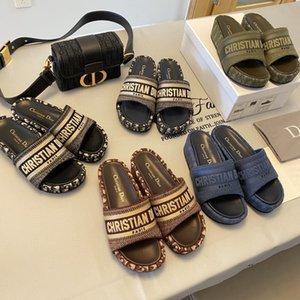 DIOR DWAY sandalias de cuña zapatos de plataforma DESLIZAMIENTO azul oblicua de algodón bordado de las mujeres explosivas mula DWAY es un icónicas zapatillas bordadas