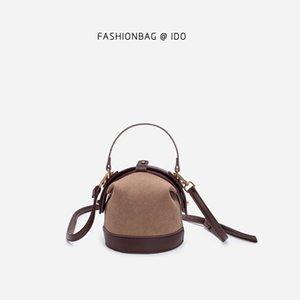 High Grade Sense France Non-mainstream Bag 2020-Dull Polish Online Celebrity Clip Shoulder Bag Retro Simple Shoulder Bucket