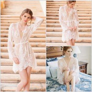 Hit item Whole Lace manga curta Pijamas profunda V Neck Mulheres Robe Sexy Sheer Xaile Banho Pijamas 2020 New Prom dama de honra Roupa Início