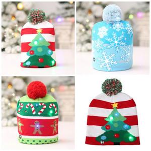 Décorations de Noël Led Chapeau de fête Arbre de Noël Bonhomme de neige Styles Snowflake tricot Bonnet Fashion Glowing Caps Nouveau Arrivée 10hb E1