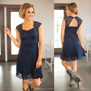 명예 드레스 저렴한 나라 웨딩 게스트 드레스의 새로운 나라 짧은 비치 네이비 블루 전체 레이스 들러리 드레스 부르고뉴 무릎 길이 메이드