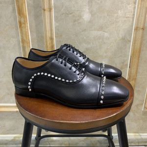 2020 fashion designer mens shoes rivets black spike Patent Leather Slip On Dress Wedding flats bottoms Shoe 0004 size 39-47