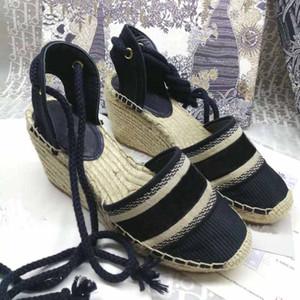 Modedesigner Stil Damen Leinwand neue starke untere Stroh Fischer Webart Keil Sandalen Sommer-Strand-Stickerei Riemen hohe Sandelholzferse