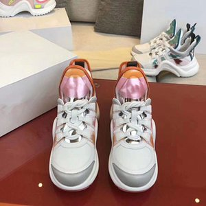 2020e high-end men and women exquisite embroidered letters low-top casual sports shoes, high-quality fashion wild couple party shoes oc08