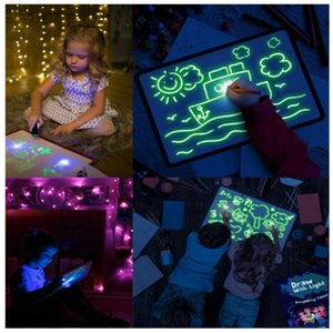 3D Light Up Kit Dessin Enfants 3D lumineux Drawing Board Light Up magique fluorescent Dessin Conseil Famille Enfants Puzzle Toy