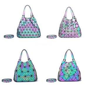 Femmes Boîte Sac fourre-tout 2020 nouvelle marque Fashion Designer Plaid Laser Messenger Bag chaîne Rhombus Petit carré Sac à bandoulière # 795