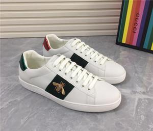 Discount Designer donne degli uomini della scarpa da tennis dei pattini casuali Basso Top Leather Sneakers Rosso Verde Strisce racchette allenatori sportivi Drop Shipping
