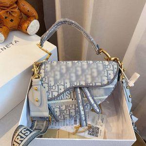 Kadınların Lüks tasarımcı çantaları marka D mektup çanta çapraz vücut kılıf omuz çantaları kadın moda sıcak satış 206239L örgü