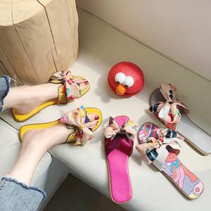 2020 neuen Luxus-Modemarke Design Frauen Sandalen koreanische Bogen flach H-förmigen Pantoffel hochwertige Damen-Schuhe