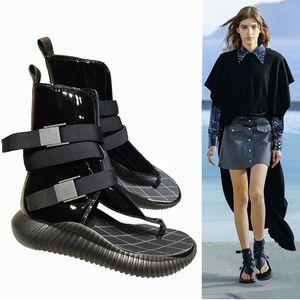 Zapatos de las mujeres talón plano de Roma sandalias de verano transpirable chancletas de remache gladiador sandalia de la manera del cuero auténtico Suela de goma Chaussures Zapatos