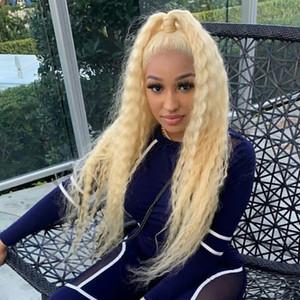 613 Blonde pleine Curly Dentelle Frontal Perruques brésilienne longue avant de dentelle perruque de cheveux humains Pré plumé vague profonde