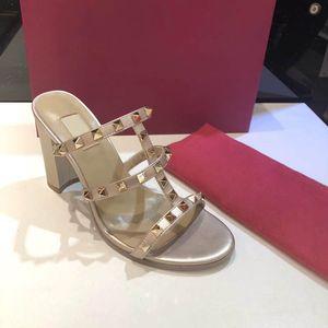 обувь сандалии обувь Тапочки Sexy Hot Sale-Classic Luxury стиль женщин Сандал письмо модель пятки Кожа Шитье и Изготовление пряжки ремня