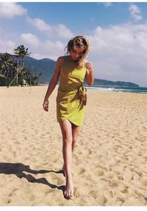 Bodycon Платье Natural Color повседневных платья Мода Разрез шея без рукавов Платья Женской одежды Дизайнер поясов женщин