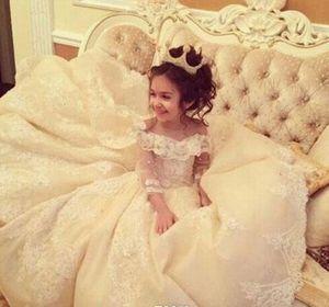 Vintage Dantel Aplike Pageant Elbiseler Ile Uzun Kollu Balo Çiçek Kız Elbise Kapalı Omuz Sweep Tren Çocuk İlk Communion Gowns