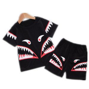 Summer Boy Cartoon Shark Imprimer Enfants Set T-shirt de haute qualité Shorts Tenues tout-petits enfants Deux Set Pieces Vêtements Noir Mode Casual Set