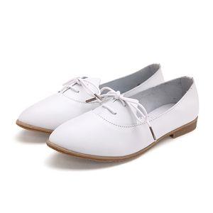 2020 Primavera Mulheres Oxford Shoes Ballerina Flats Mulheres de couro genuíno Shoes Calçados Moccasins Lace Up Loafers Branca Plus Size