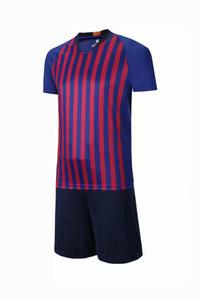 Profissionais em branco personalizados Homens / crianças Meninos Futebol Set Uniformes roupas de corrida Kit respirável Football Shirt Treino BS06