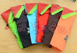 Os mais recentes Início morango dobradura de armazenamento de nylon dobrável sacos de compras reutilizáveis Eco-Friendly Senhoras sacos de armazenamento 36 * 38cm