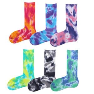 Erkek Unisex Yenilikçi Renkli Tie-boyama Kaykay Socks.Cotton Harajuku Hiphop Çorap Sox Etnik Çift Uzun Çorap Meias