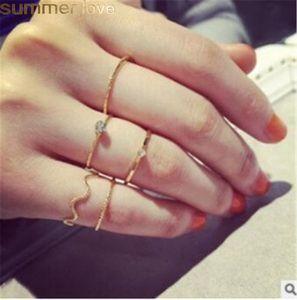 5шт / Set Волновые Уплотнительные кольца шарма способа цвета золота Геометрическая Простой Thin кольцо для женщин Середина палец кольцо для партии ювелирных изделий