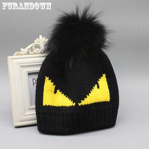FURANDOWN женщин шлема зимы тавра Fur Pompom Hat Cap Дьявол Pattern Вязаные Шапочки для дам Y200102