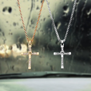Décoration de voiture Christian Cross Car Rearview Mirror Hanging ornements voiture-style de haute qualité Intérieur Auto Accessoires Pendentif voiture
