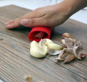 30PCS Kitchen Craft Garlic Peeler Silicone Easy Roll Garlic Peeler Tube Utility Kitchen Gadget Peel Stripper Tool Wholesale Mix Colors