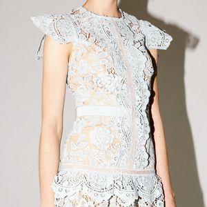 Yaz Pist Yüksek Kaliteli Dantel Elbise Kadın O-Boyun Ruffles Hollow Out ekleme Düzensiz Tatlı parti elbise