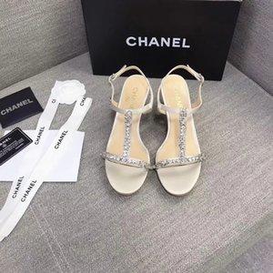 2020 Bling Summer Shoes Women Rhinestone Sandals Hook & Loop Crystal Beach Slippers Flat Ladies Outdoor Holiday