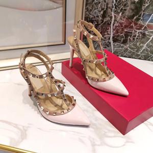 sandalias 2020 sandalias de cuero de las mujeres de uñas en forma de T de verano de los zapatos de tacón alto del remache zapatos de las señoras atractivos del partido 10color 9.5cm con la caja