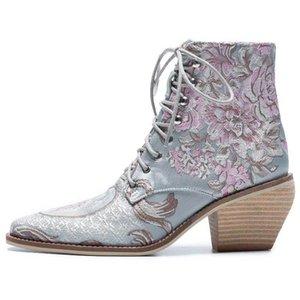 Las mujeres ocasionales Stacked tacones altos de bordado de la flor ata arranca los zapatos femeninos tobillo de las señoras de los botines del satén de seda Calzado Bota MX200324