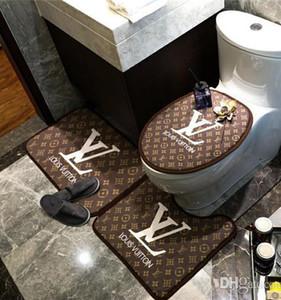 Toilet Seat Cover mais novo Branded Carta Imprimir Velvet 3pcs quarto Crystal Velvet Porta Mat Grosso antiderrapante almofada Banheira Toilet Seat