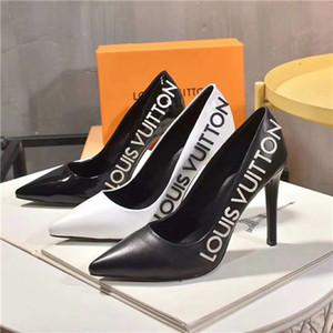 HOT 2020 봄 새로운 도착 브랜드 여성 신발 검정, 흰색 가죽 패션 캐주얼 신발 명품 고품질의 여성 SN1114 펌프