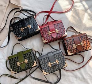 Tasarım Kadın Çanta Bayanlar Totes Debriyaj Çanta Yüksek Kalite Klasik Omuz Çantaları Moda Deri El Çantaları Karışık sipariş çanta