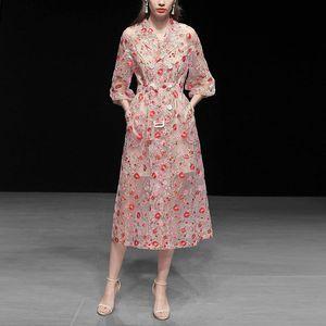 Vintage Verbandsmull Blumen-Stickerei-Overlay Trenchcoat Frauen zweireihige Kerb-Laterne Hülse Gurt-lange Mantel-Oberbekleidung Netz