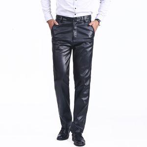 Thoshine Марка Весна Aumumn Мужские кожаные штаны высокой талией Straight Мото Байкер брюки Мужской PU искусственной кожи вскользь PantsMX190902