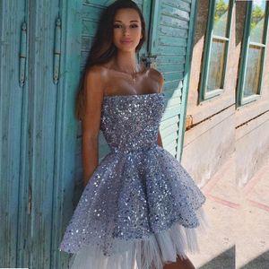 Screaded Colread Party платья без бретелек мини-дешевый платье выпускного платья многоуровневый тюль пользовательских коктейлей вечерние платья клуб носить Vestidos Formates
