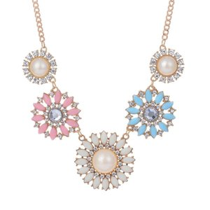 BEAUTIFUL PLAN Vintage Flower Statement Chunky Party Chain Jewelry Pearl chokers necklaces Small Daisy for women clavicle