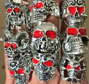 ojos rojos plata al por mayor 30Pcs mezcla cráneo de metal plateado cráneo anillos de dedo del anillo de la joyería punky del motorista de la moda