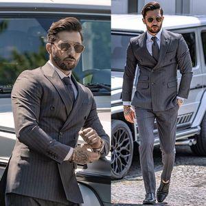 Мужские костюмы 2020 Новый красивый завиток Двухкнопочный Groom костюм сшитое Slim Fit 2 шт Свадебный Смокинги Лучший костюм человека куртка штаны