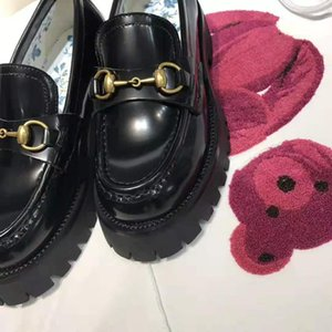 Hot Sale-femmes unique patte de plate-forme mocassins à semelles de dame fille des femmes des mors cuir de luxe chaussures de sport meilleur EUR34-40 prix