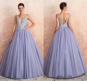 2019 Lavender Lace Appliqued A-line Prom Dress Elehant V Neck A-line Evening Quinceanera Dresses Vestido de fiesta formal de lujo CPS1446
