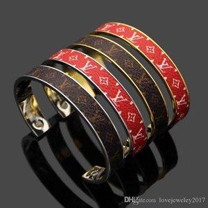 Kadınlar için logo tasarımı ile çiçek baskılı deri Manşet Bileklik kahverengi En kaliteli açık pulsera Altın bilezik Güzel takı kırmızı