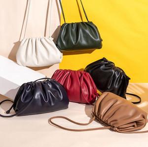 Le plus chaud sac nuage dames de marque de mode La boucle magnétique peau de mouton plissée design doux sac axillaire de sac à bandoulière clip exquis